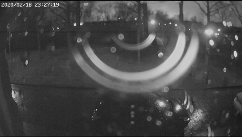 Felle lichtflits waargenomen op 2 verschillende camera's op hetzelfde tijdstip foto