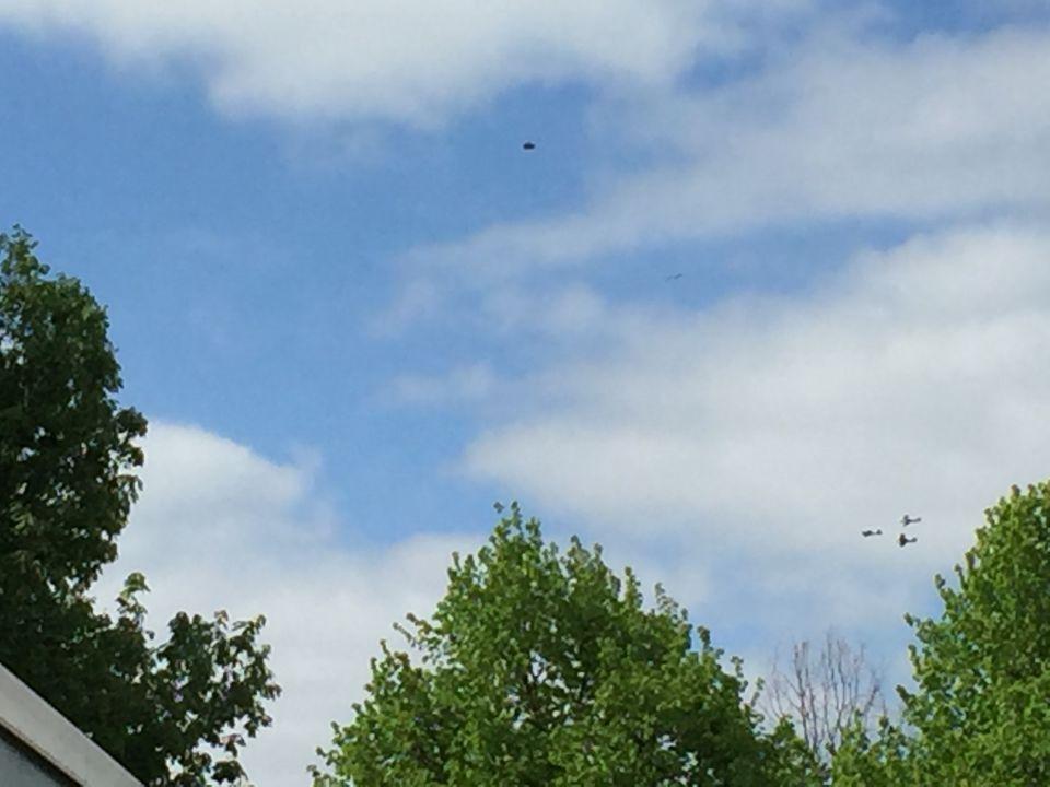 Onverwachts foto van UFO gemaakt. het ging om de 3 oude vliegtuigen. foto