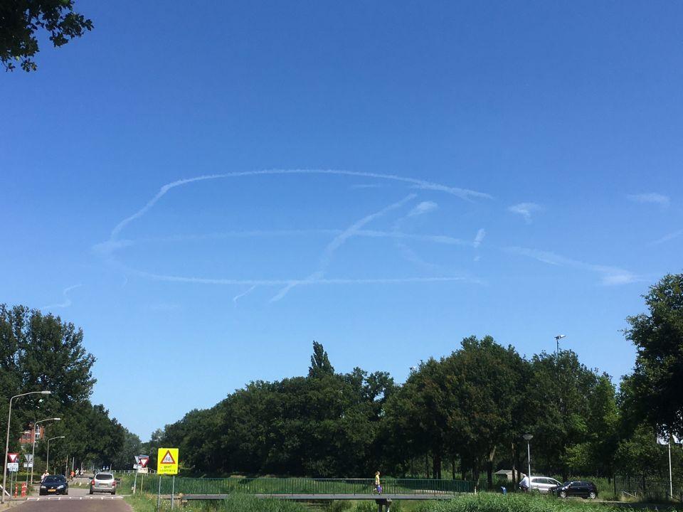 Tekening in de lucht foto
