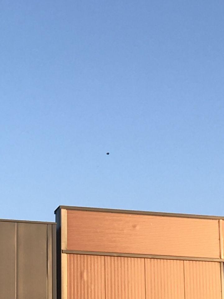 Ufo Eemnes met lichtpuls ernaast foto
