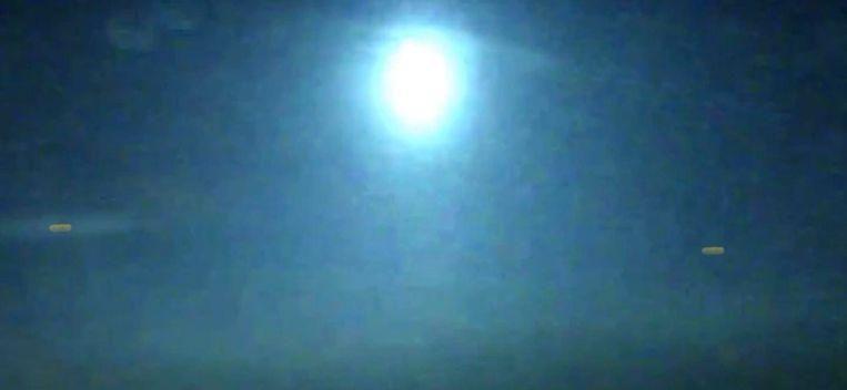 Groot stilstaand lichtpunt dat gedurende 10 minuten aanhield foto
