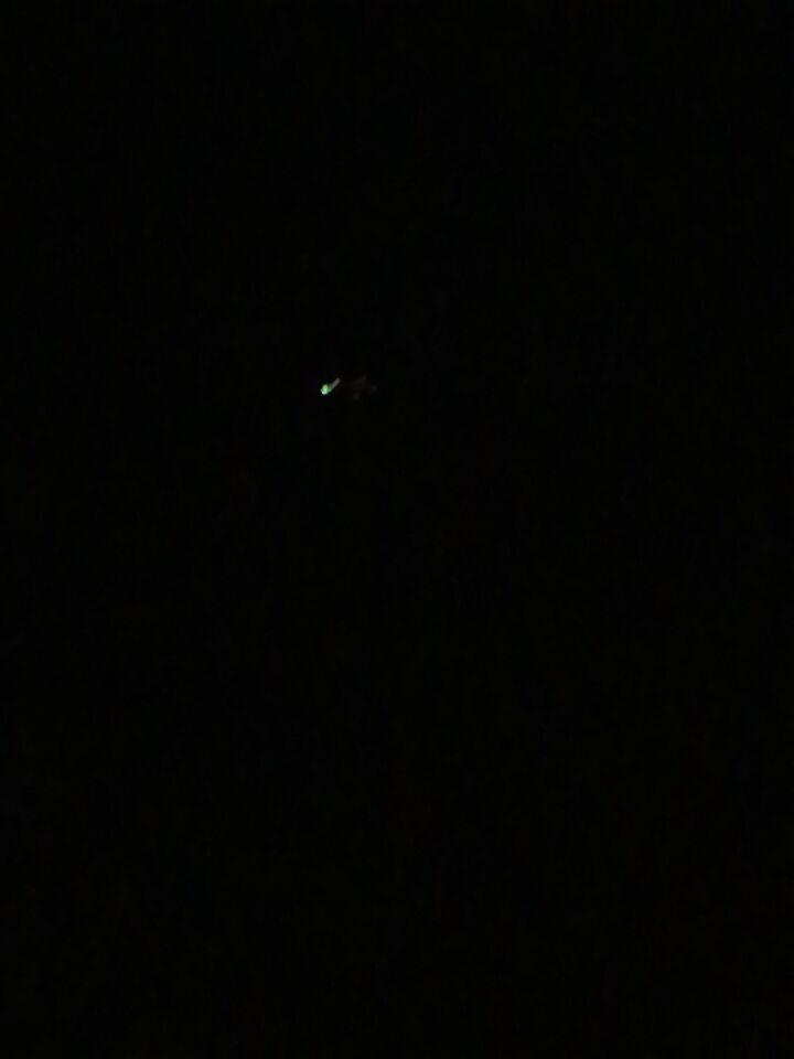 Licht dat gedurende tijd stationair blijft hangen in de lucht foto