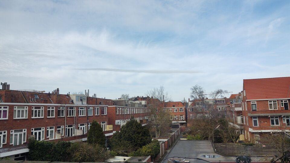 Witte streep in de lucht foto