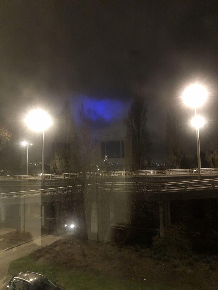 Fel blauw licht foto