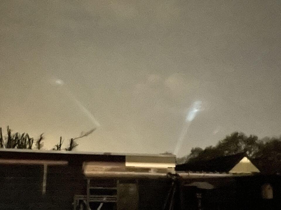 Aparte verschijning van licht in de nacht film en foto foto