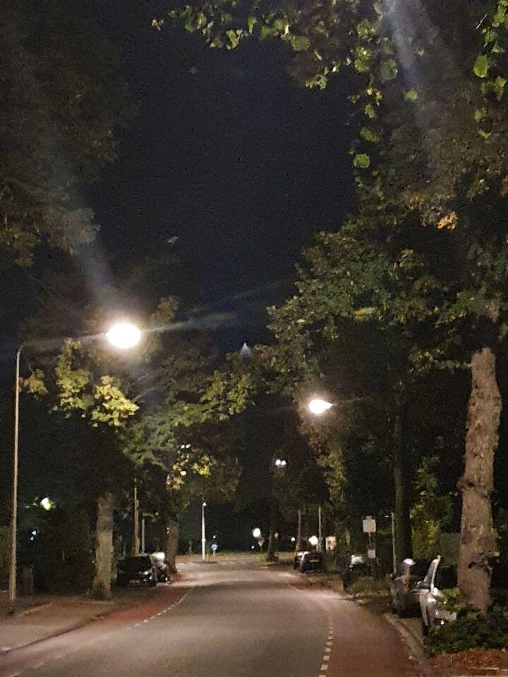 Licht bol met wit blauw Licht foto