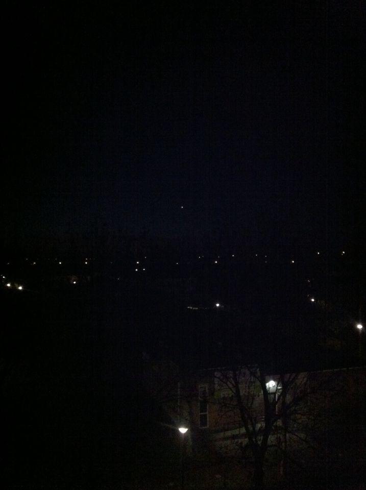 Vreemd lichtobject boven Woerden foto