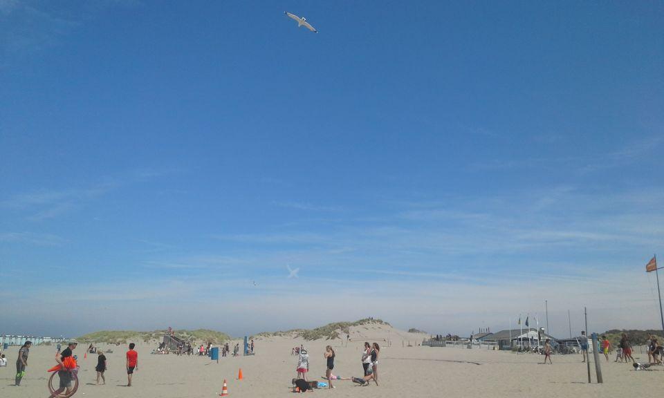 "Typische weergave in lucht van ""wolk"" in kruisvorm in Noordelijke richting foto"