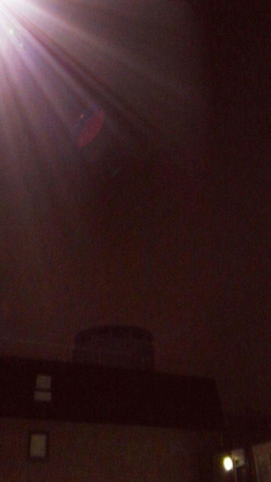 Zeer Vel licht foto gemaakt vanuit flat tegen het licht in. En toen zagen we dit foto