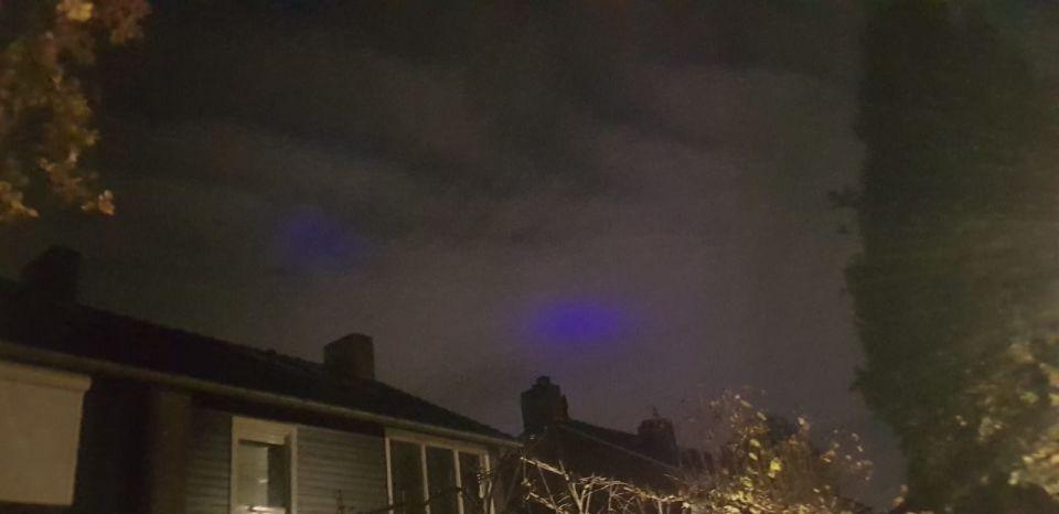 Het blauwe licht werd feller en weer minder foto