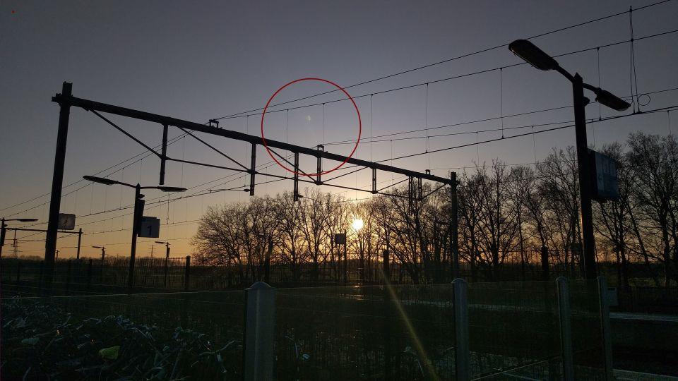Half transparant onbekend object. foto