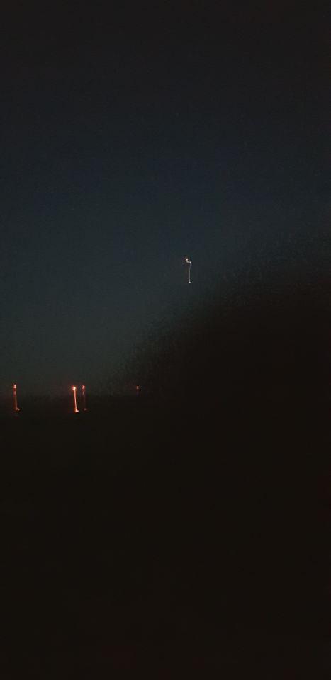 Wit van onder voor 1 lampje, blauw met rode lampjes, gat in onderkant, rond. foto