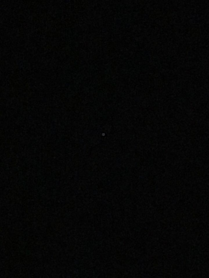 Lichte ster beweegt raar hoekig snel links rechts voorui achteruit en rond draai foto
