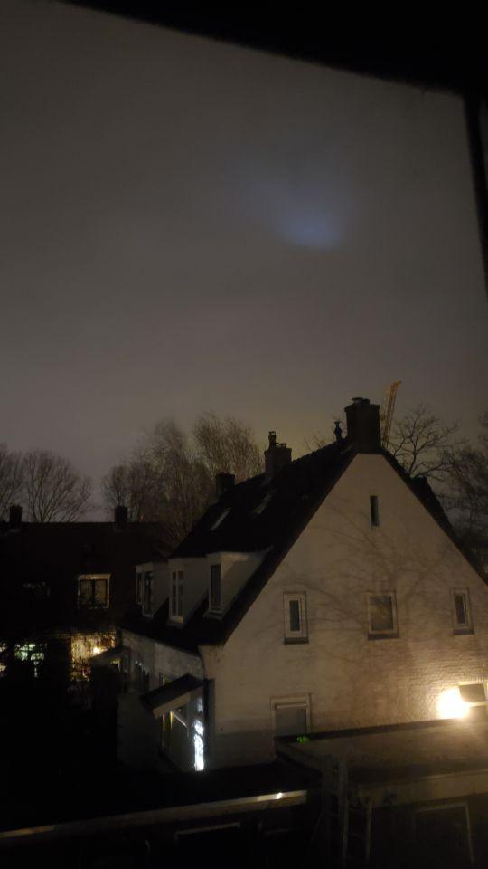 Een wazige licht vlek wat constant beweegs foto